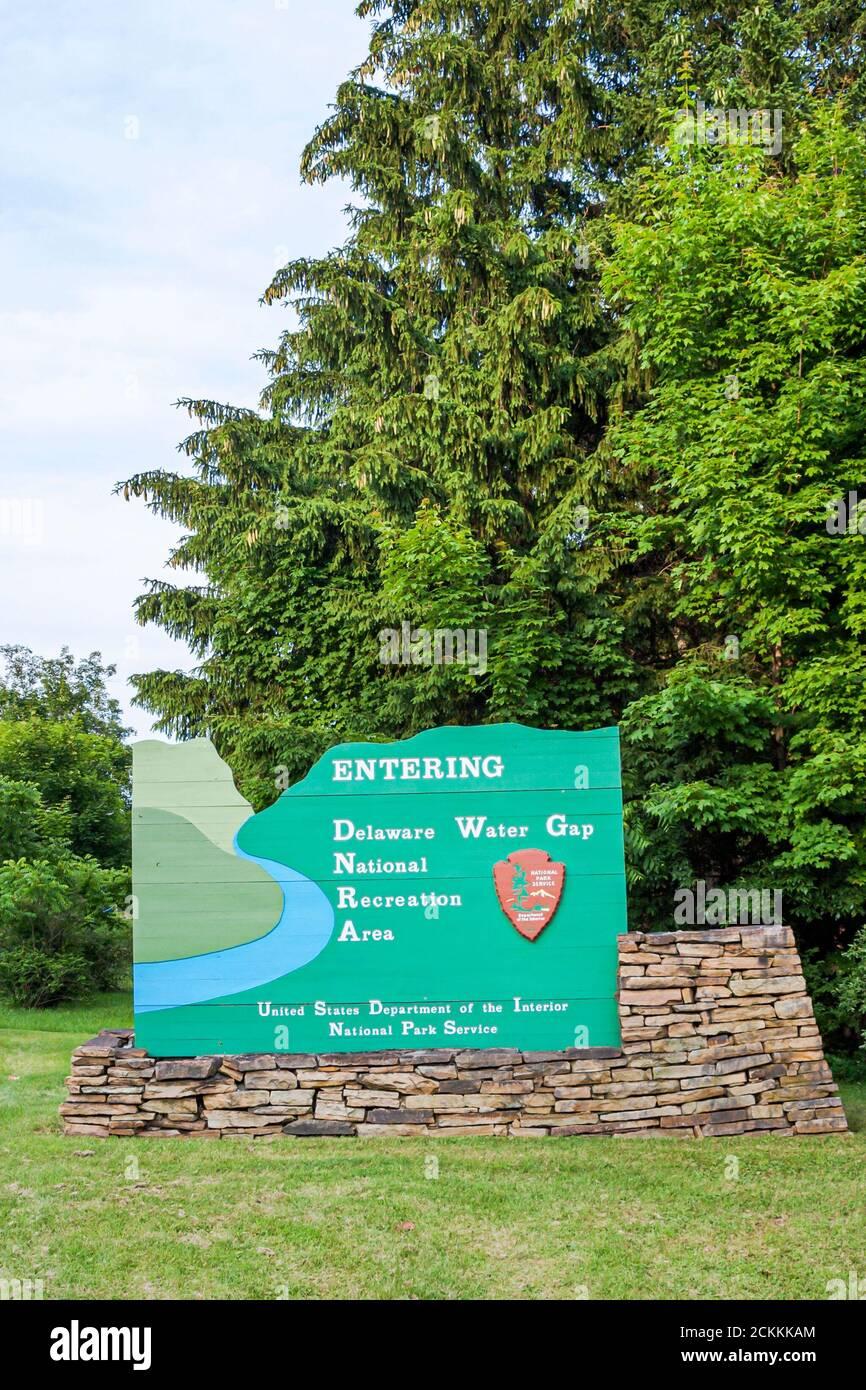 Pennsylvania Pocono Mountains Delaware Water Gap National Recreation Area, Bushkill signe entrée, Américains, Banque D'Images