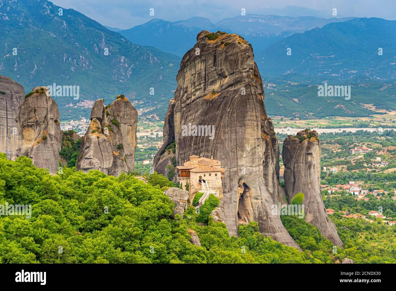 Monastère Saint de Rousanou, site classé au patrimoine mondial de l'UNESCO, monastères de Meteora, Grèce, Europe Banque D'Images