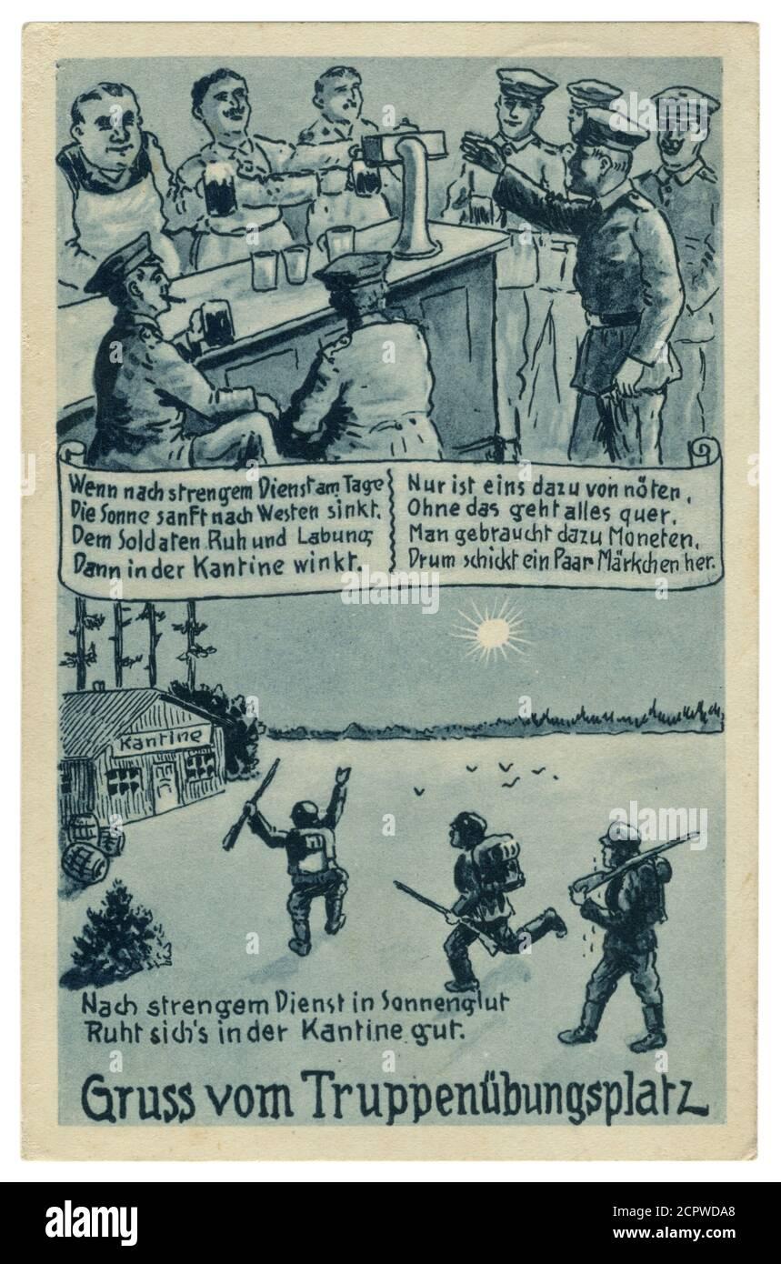 Carte postale historique allemande: «après un service strict au soleil il semble bon dans la cantine», les soldats allemands vont au pub, série satirique 1933 Banque D'Images