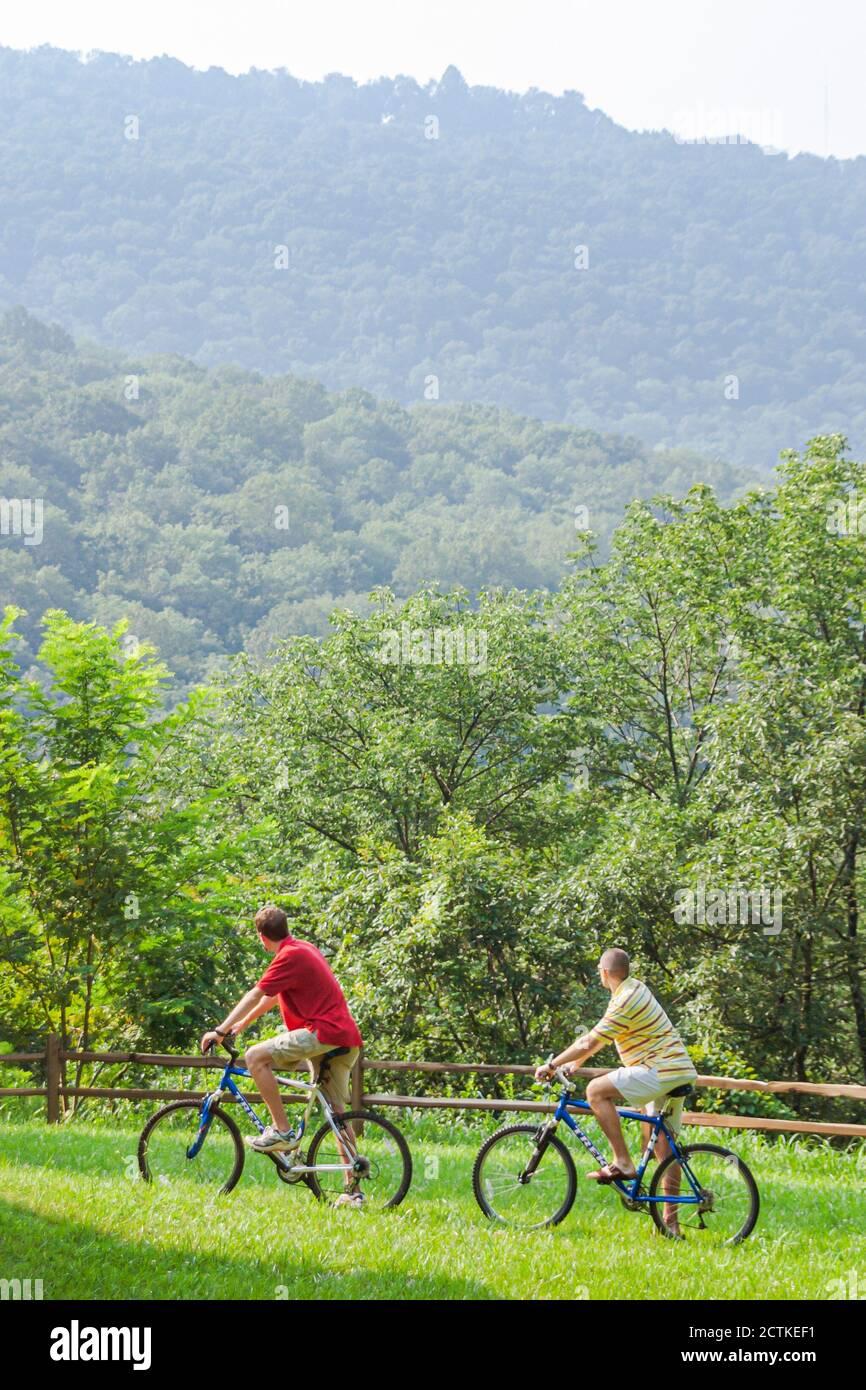 Alabama Huntsville Land Trust pistes de vélo et de randonnée, cyclistes cyclistes cyclistes cyclistes vélos, paysages naturels américains, Banque D'Images