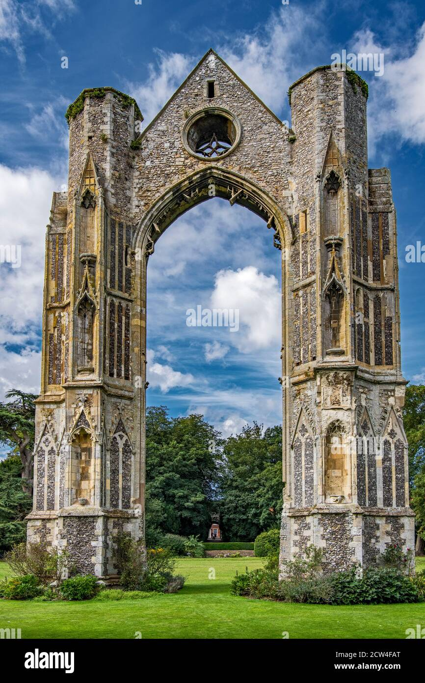 La fenêtre est reste de l'ancien Prieuré Little Walsingham Norfolk Banque D'Images