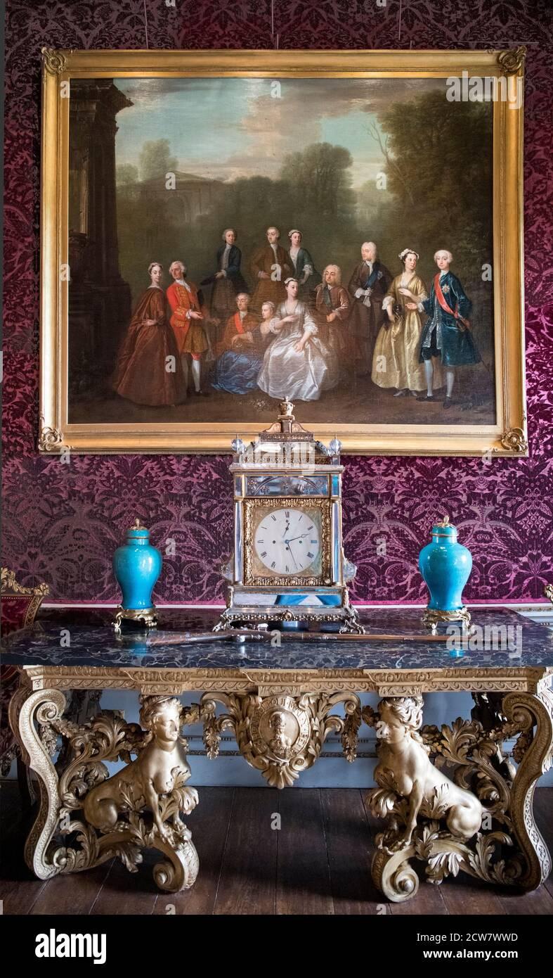 Table et peinture salle d'entrée Houghton Hall North Norfolk Angleterre Banque D'Images