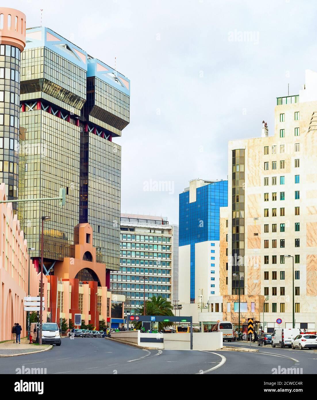 Downtow Lisbon Street, paysage urbain avec belle architecture moderne, Portugal Banque D'Images