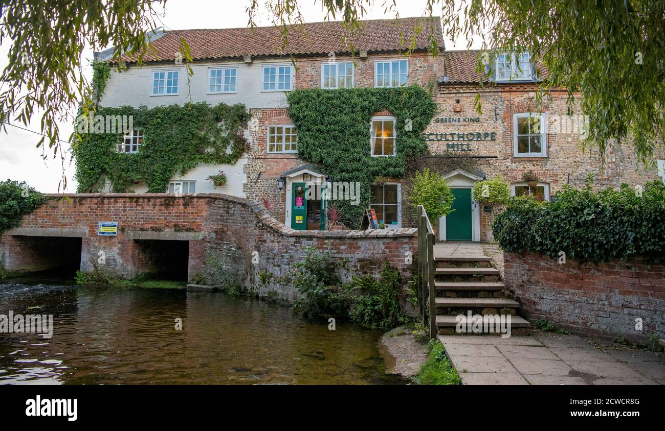Sculthorpe Mill Hotel on River Wensum North Norfolk Angleterre Banque D'Images