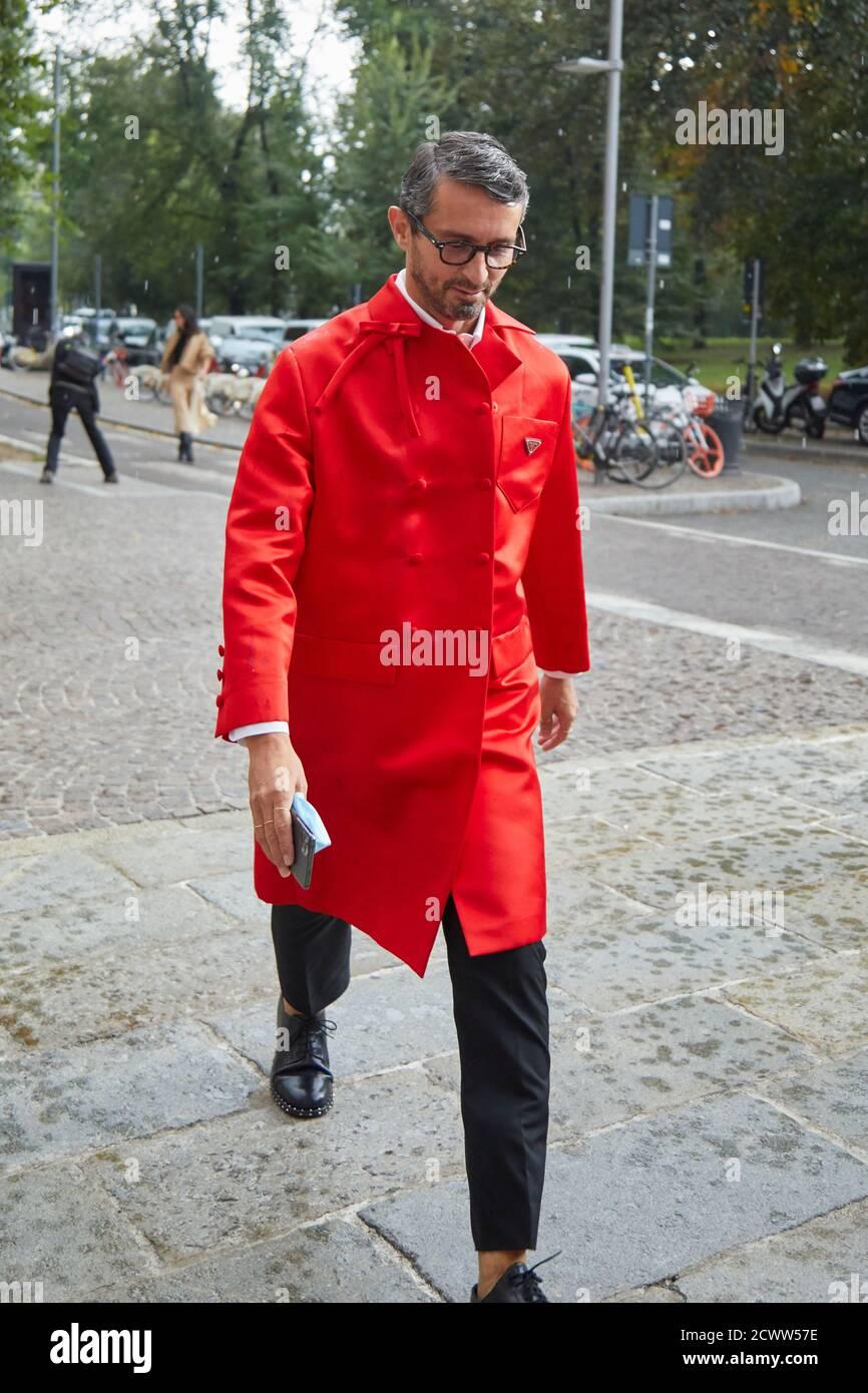 MILAN, ITALIE - 25 SEPTEMBRE 2020: Simone Marchetti avant le spectacle de mode Sportmax, Milan Fashion week Street style Banque D'Images