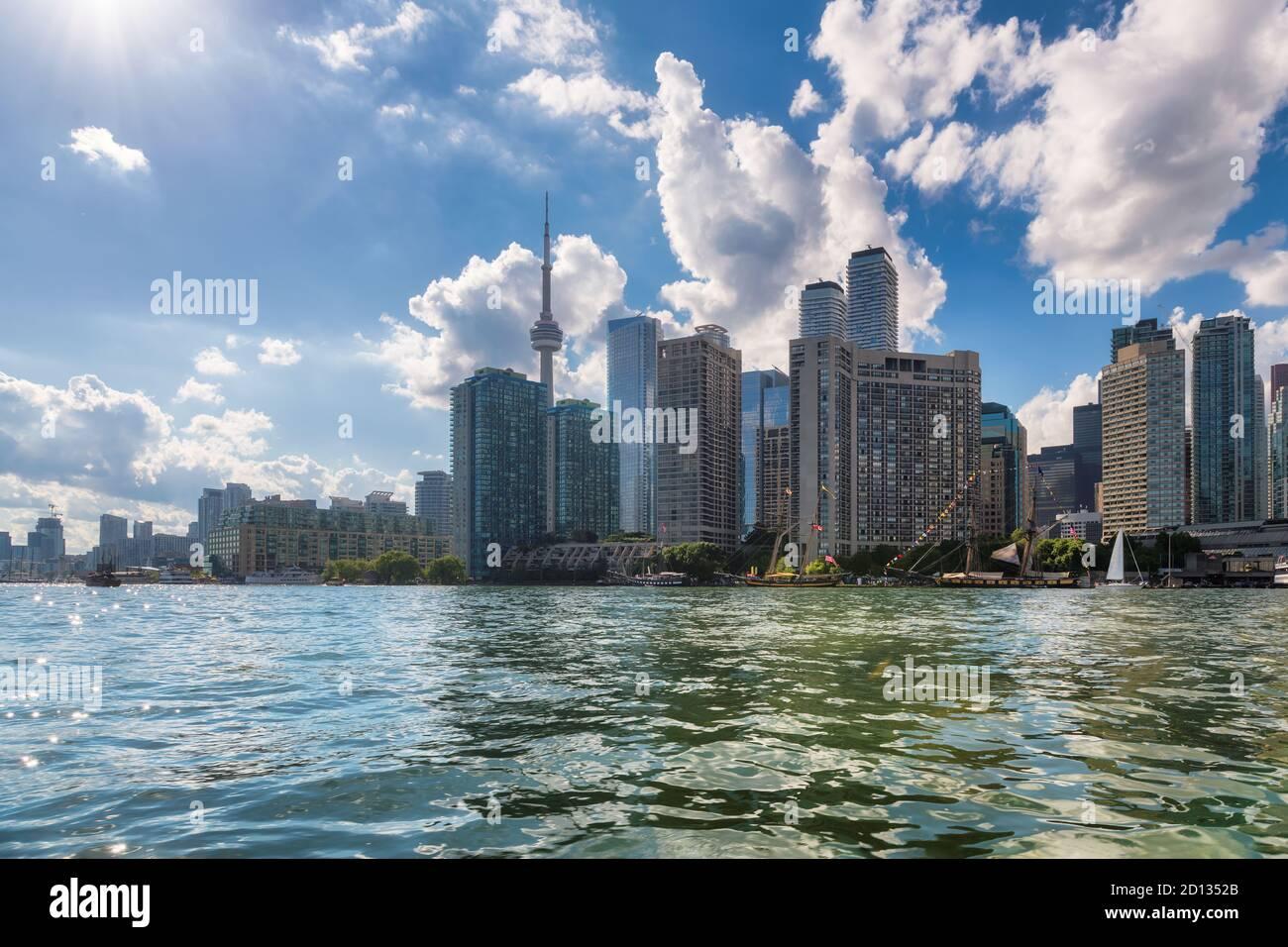 Horizon de la ville de Toronto, lac Ontario, Toronto, Canada Banque D'Images