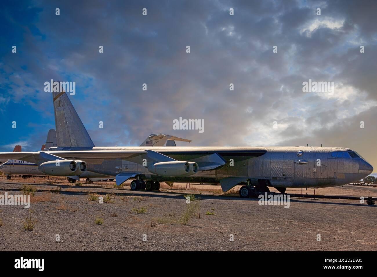 Très ancien modèle d'un Boeing B52 StratoFortress à la boneyard à Tucson, Arizona Banque D'Images