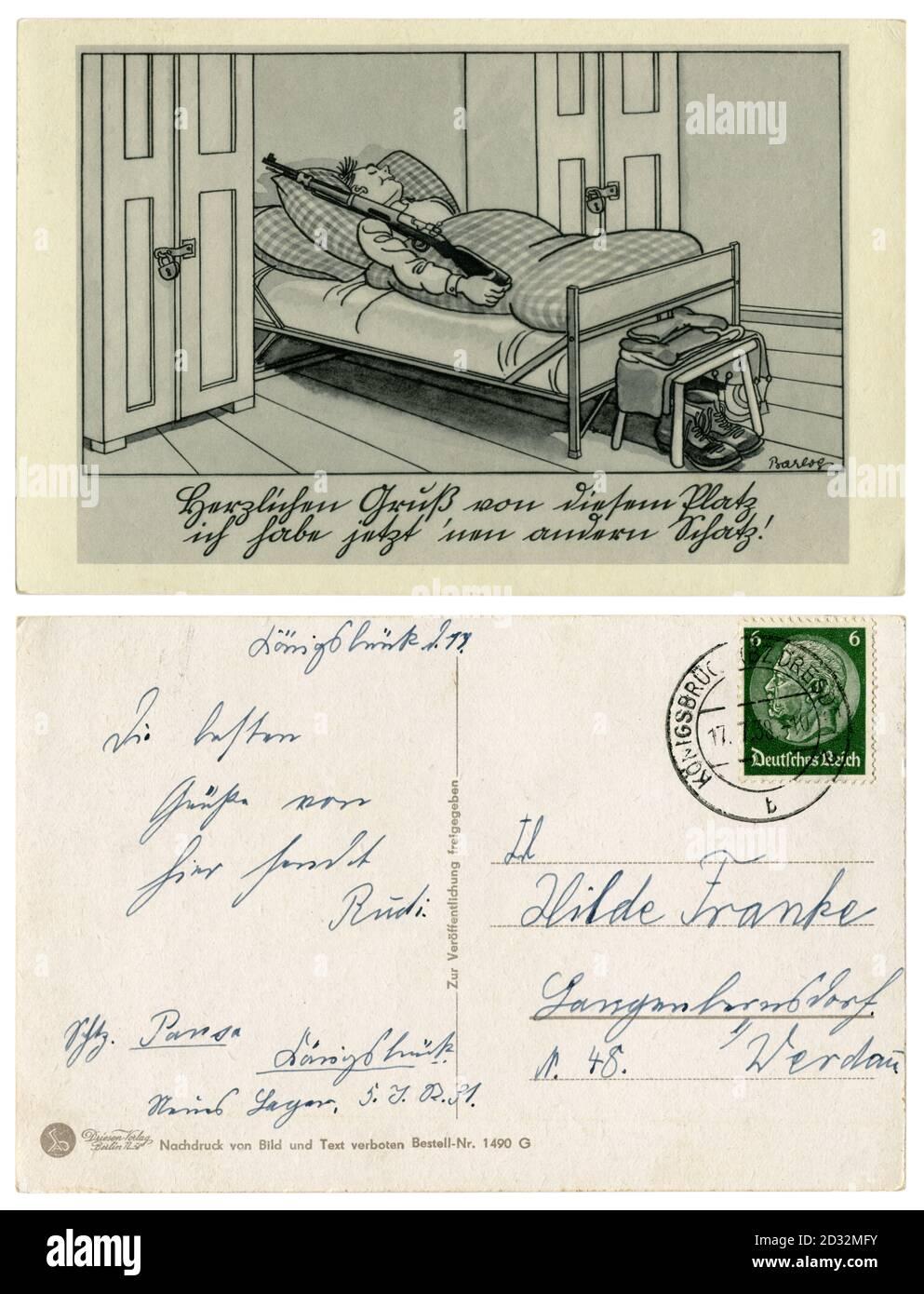 Carte postale historique allemande : le soldat est endormi, le service est en marche. Il dort avec un fusil dans son lit, série satirique, par Barlog, 1939 Banque D'Images