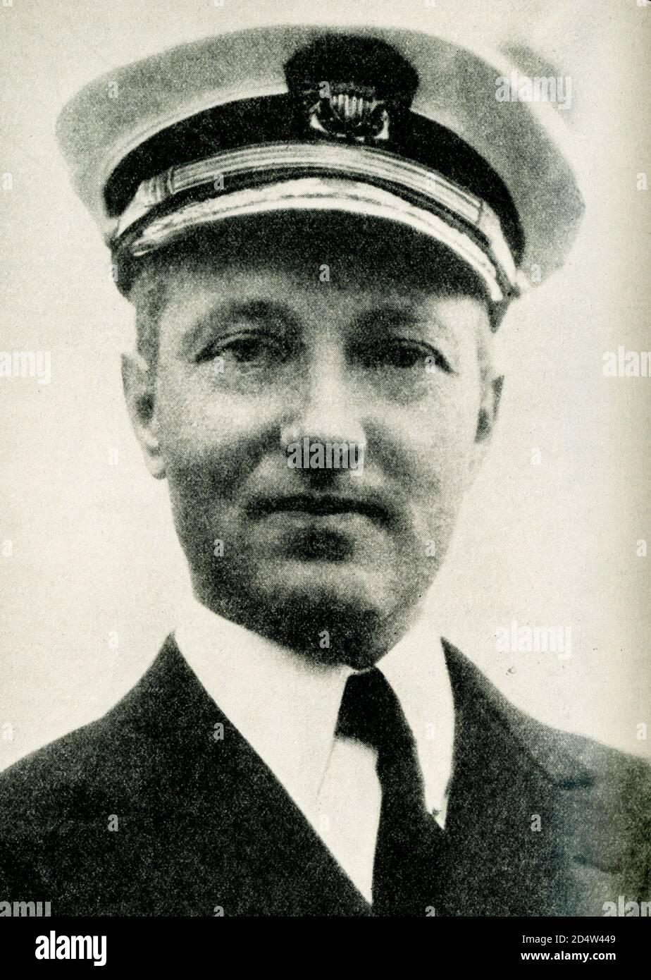 La légende contemporaine se lit comme suit : le chef de la dernière expédition en Antarctique. Cette photographie du commandant Richard E Byrd a été prise à bord du baleinier C A Larsen alors qu'il a déposé l'ancre dans le port de Wellington, en Nouvelle-Zélande, alors qu'il était en route vers l'Antarctique au début de 1929. L'expédition Byrd compte un personnel de 64 hommes, avec plus de 80 chiens, et est équipée d'avions, d'appareils radio et de tous les dispositifs de moern. Une base a été établie sur la baie des baleines, dans la mer de Ross. Banque D'Images