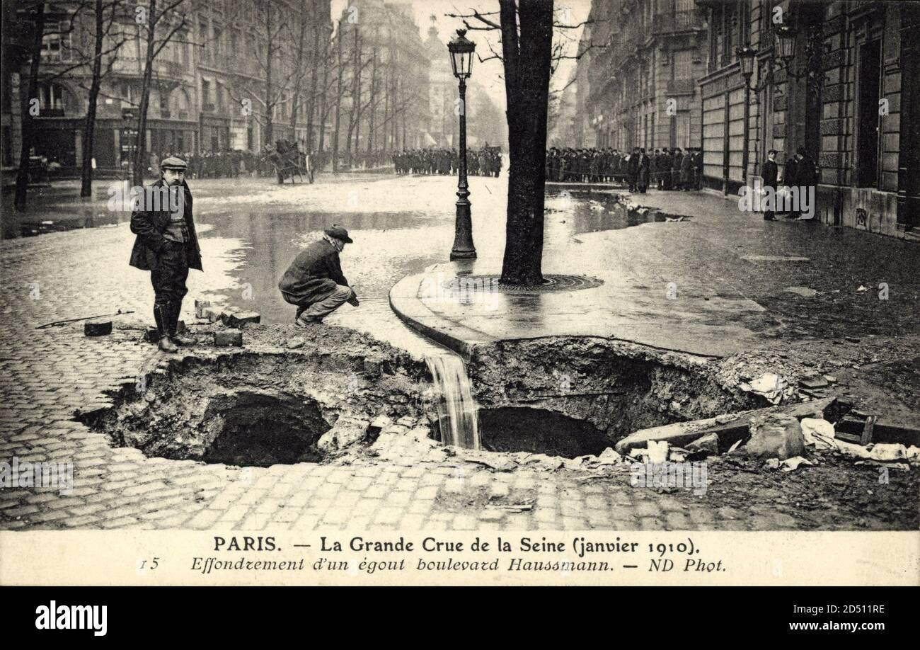 Paris, Inondation Seine, 1910, efficacité d'une sortie Bld. Haussmann | utilisation dans le monde entier Banque D'Images