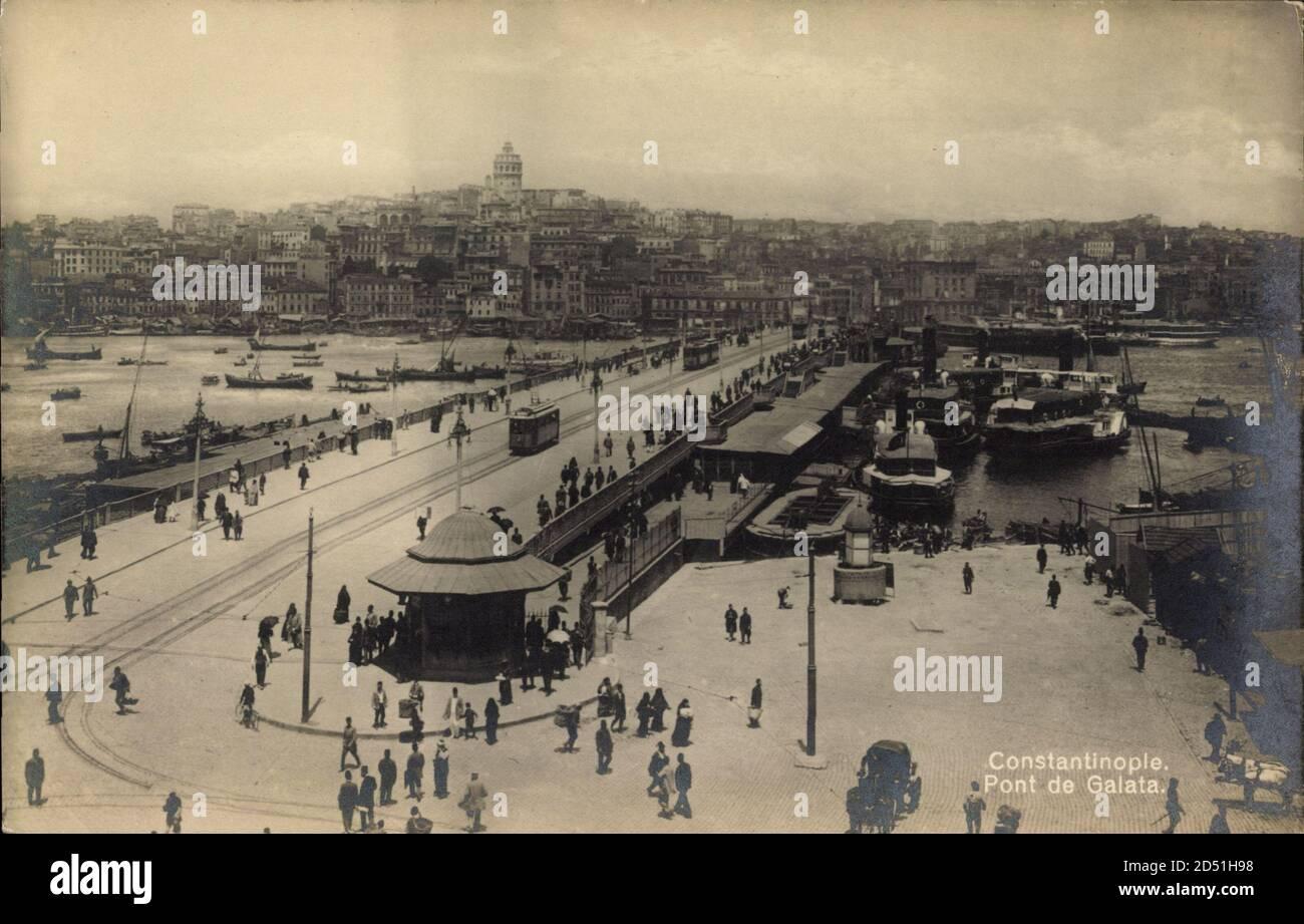 Istanbul Türkei, Pont de Galata, Brücke, Fußgänger, Boote   utilisation dans le monde entier Banque D'Images