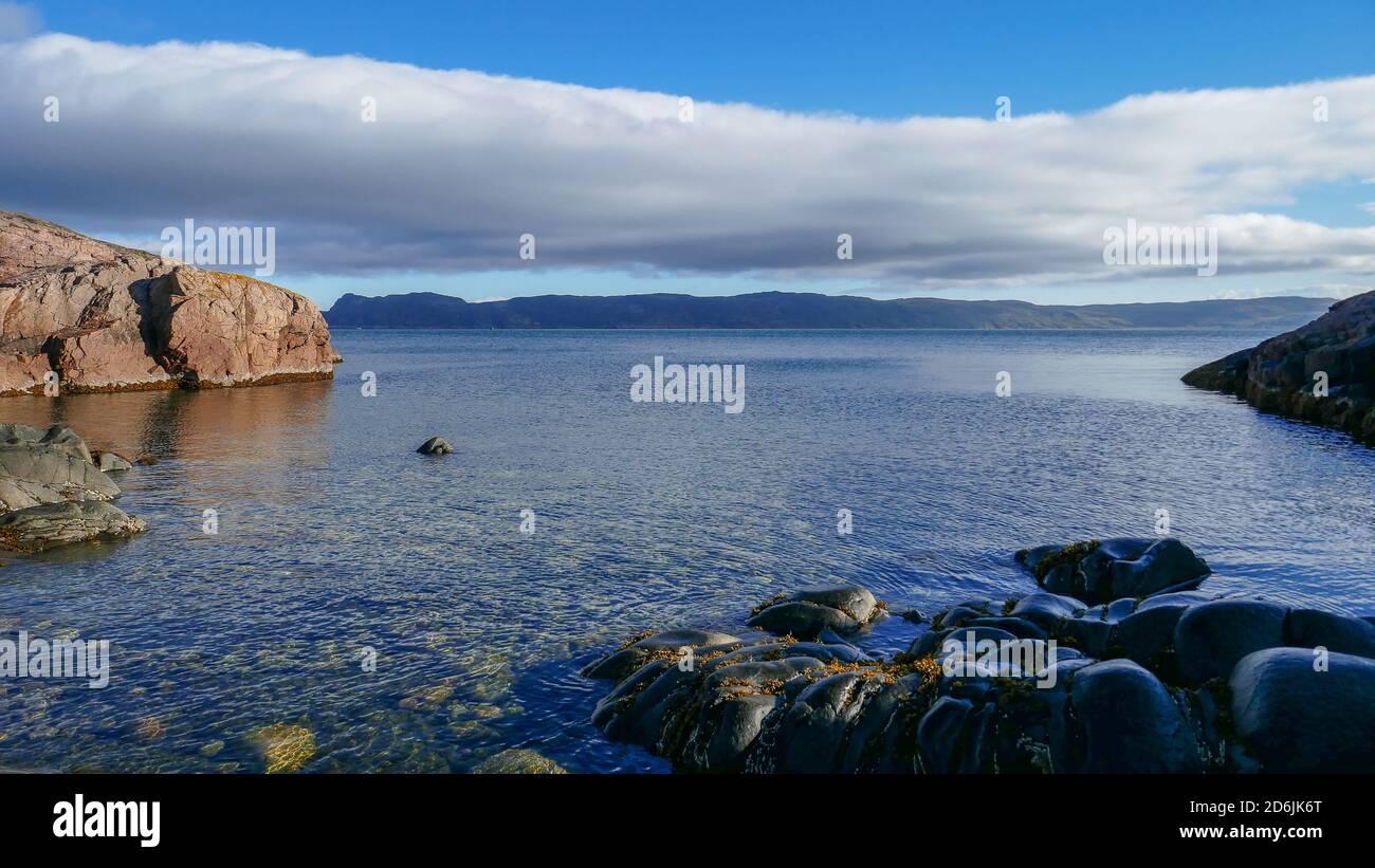 Mer de Barents et océan Arctique, le plus au nord de la Russie. Le village de Teriberka et le cimetière des navires, des paysages Banque D'Images