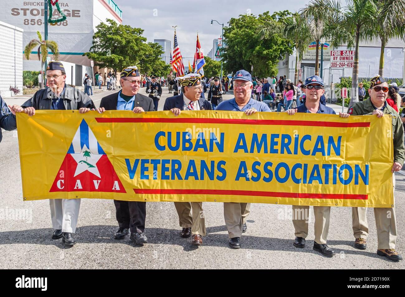 Floride Miami Little Havana, Hispaniques hispaniques immigrants Calle Ocho, Tres Reyes Magos trois 3 Kings Parade Cuban American Veterans Association, Banque D'Images