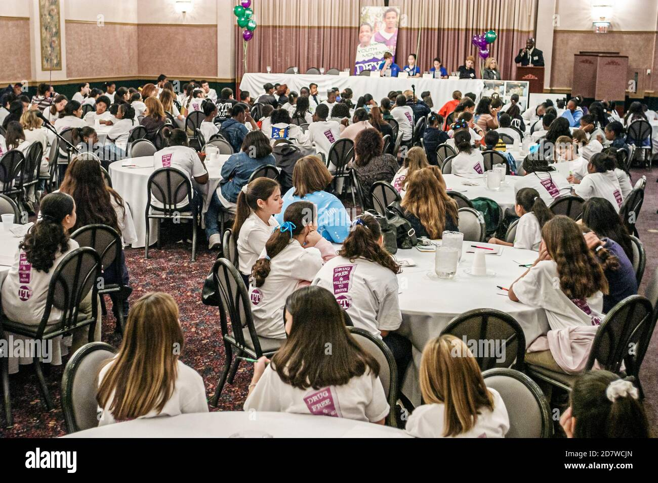 Florida Miami Kendall Drug Free Youth in Town DFYIT, Youth club Summit anti addiction organisation à but non lucratif, adolescents, adolescents adolescents adolescents adolescents étudiants Banque D'Images
