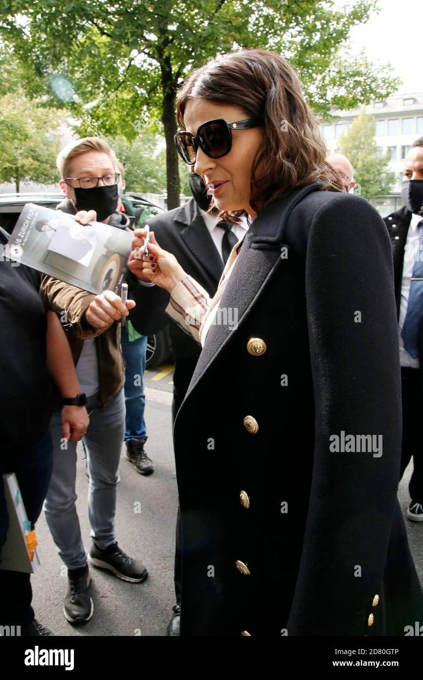 Juliette Binoche arrive au ZFF Masters lors du 16ème Festival du film de Zurich 2020 à Filmpodium le 1er octobre 2020 à Zurich, Suisse Banque D'Images