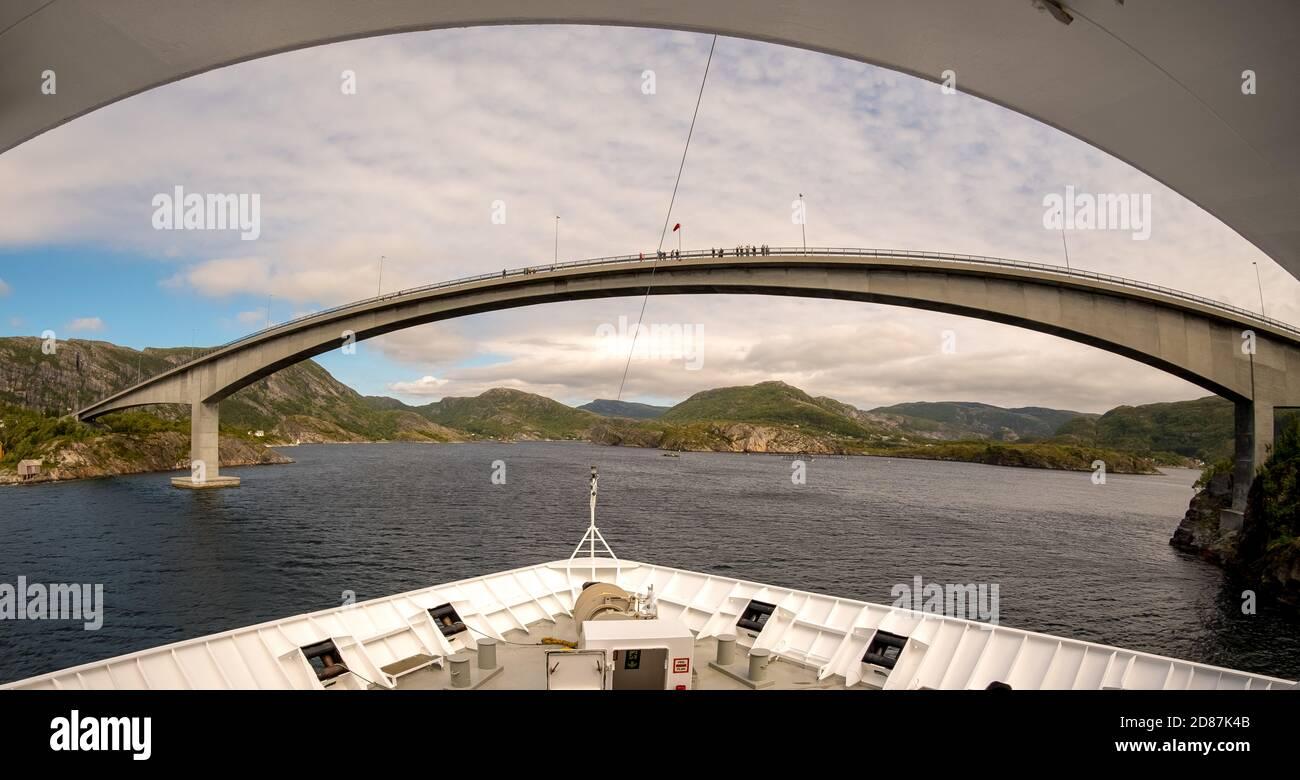 Pont à Stoknnes, Pont Stokkøy, Revsnes, Trøndelag, Norvège, Scandinavie, Europe, voyage aventure, pont, tourisme, Hurtigruten, voyage Hurtigruten, h Banque D'Images