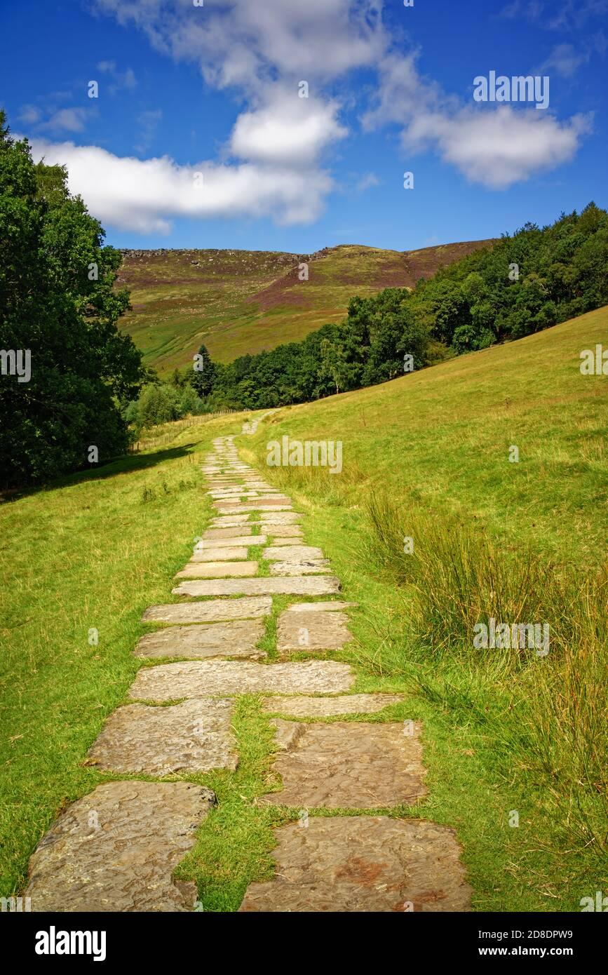Royaume-Uni,Derbyshire,Peak District,Edale,sentier traversant Grindsbrook vers Kinder Scout Banque D'Images