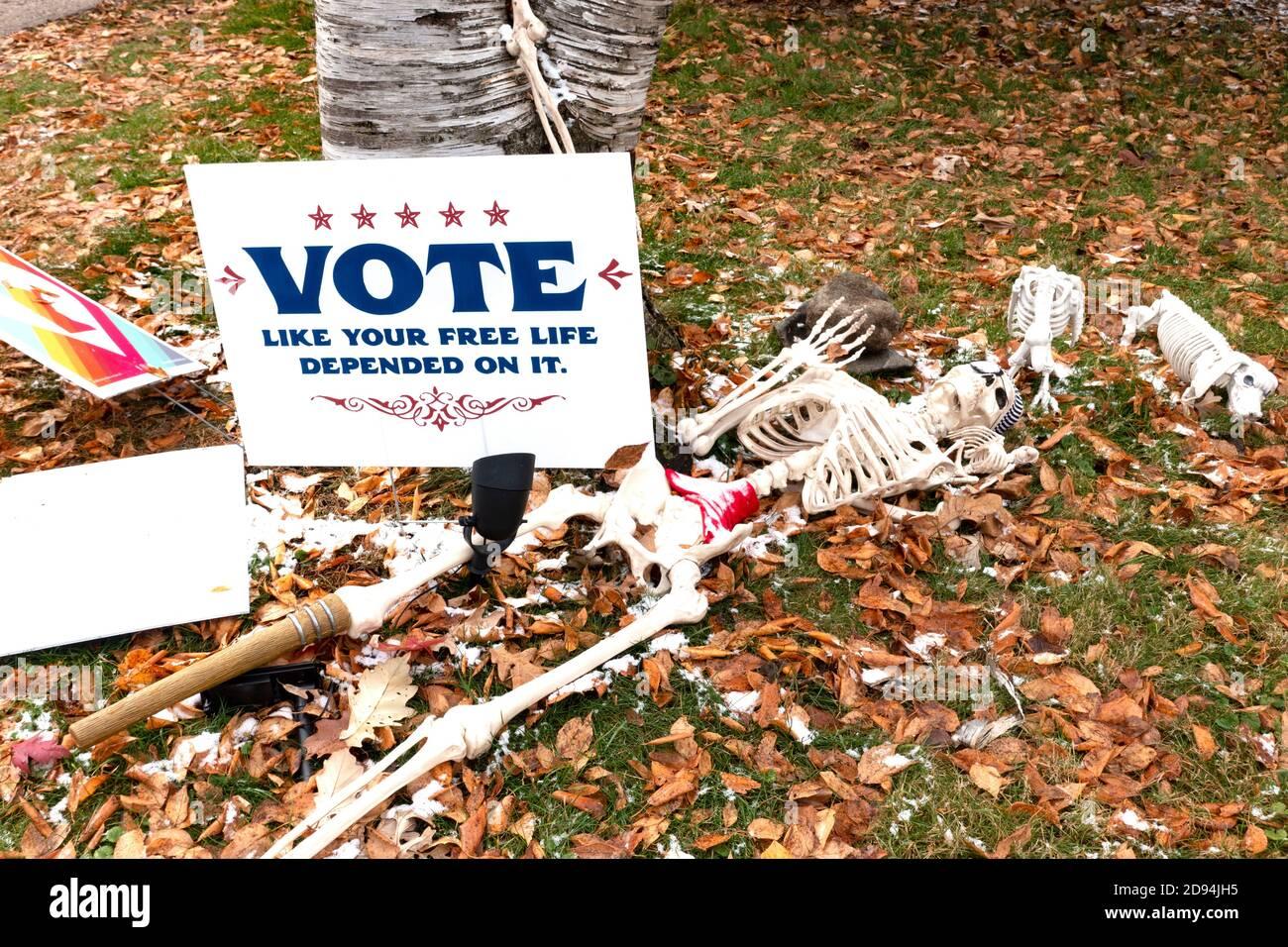 Squelette réduit avec signe de vote. St Paul Minnesota MN États-Unis Banque D'Images