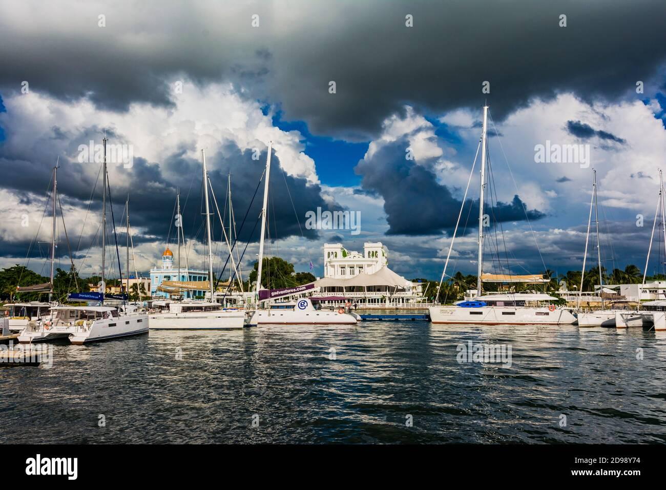 Cienfuegos Yachting Club et marina. Cienfuegos, Cuba, Amérique latine et Caraïbes Banque D'Images