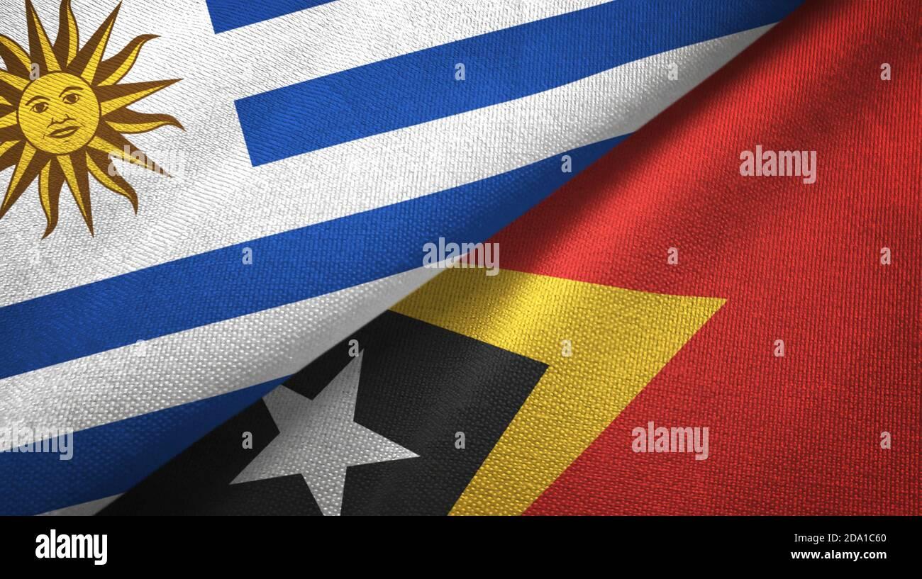 Uruguay et Timor-Leste Timor oriental deux drapeaux tissu textile, texture textile Banque D'Images