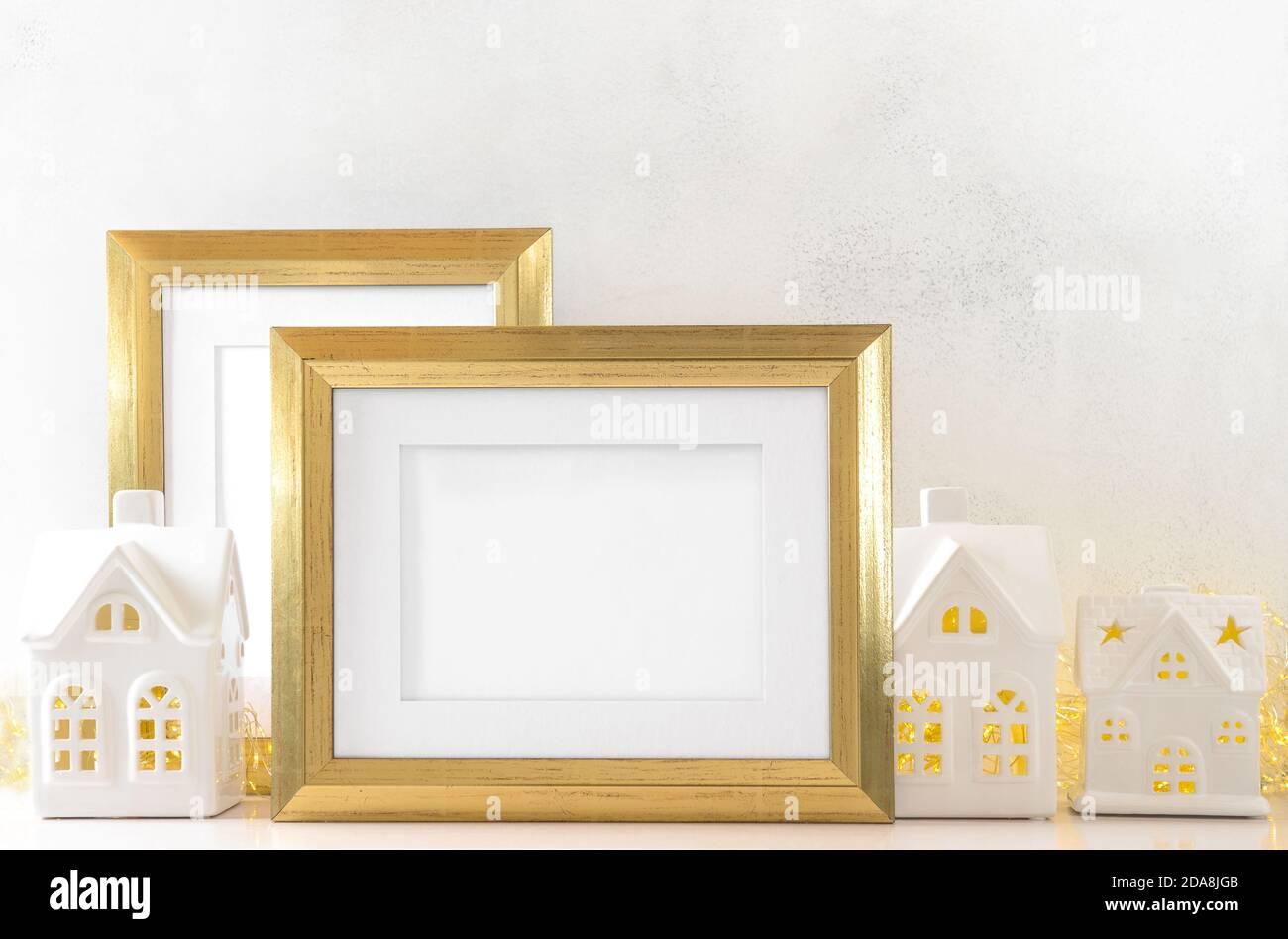 Cadre doré avec décoration de Noël Banque D'Images