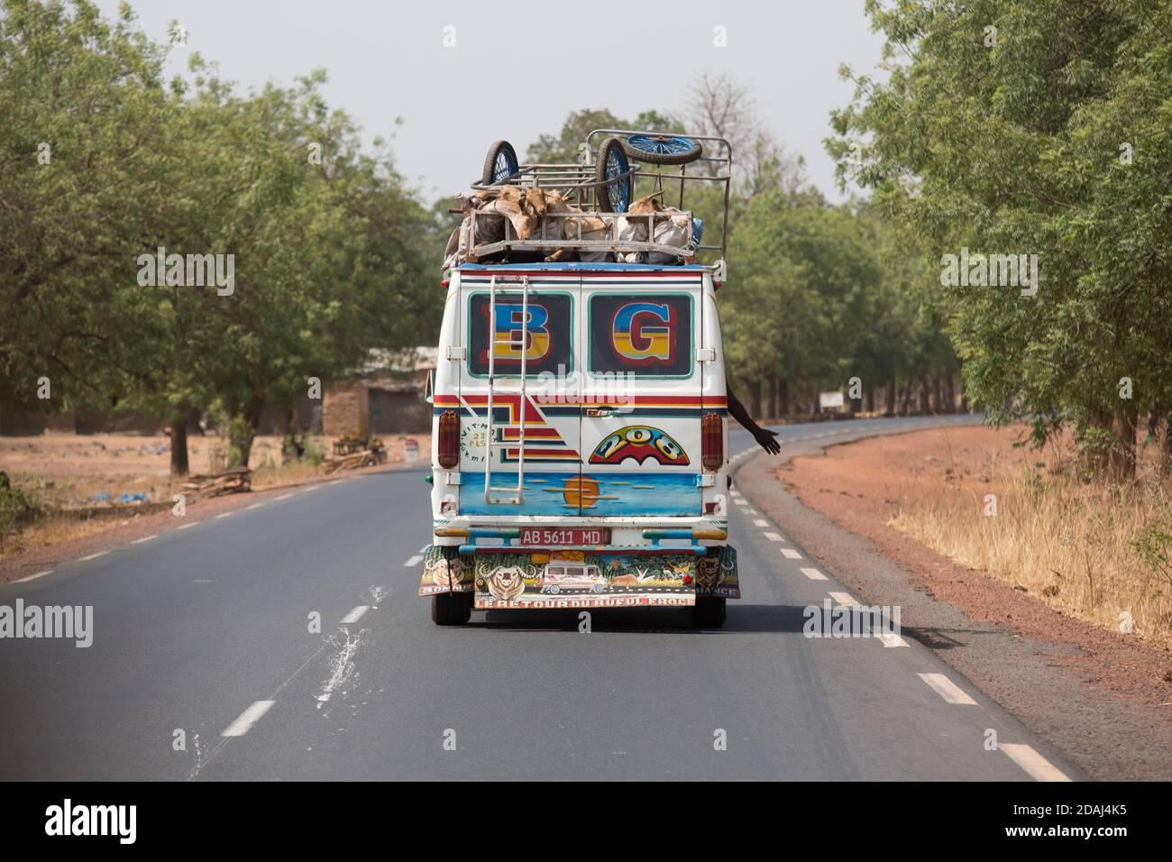 Bamako, Mali, 25 avril 2015; transport routier au sud de Bamako. Banque D'Images