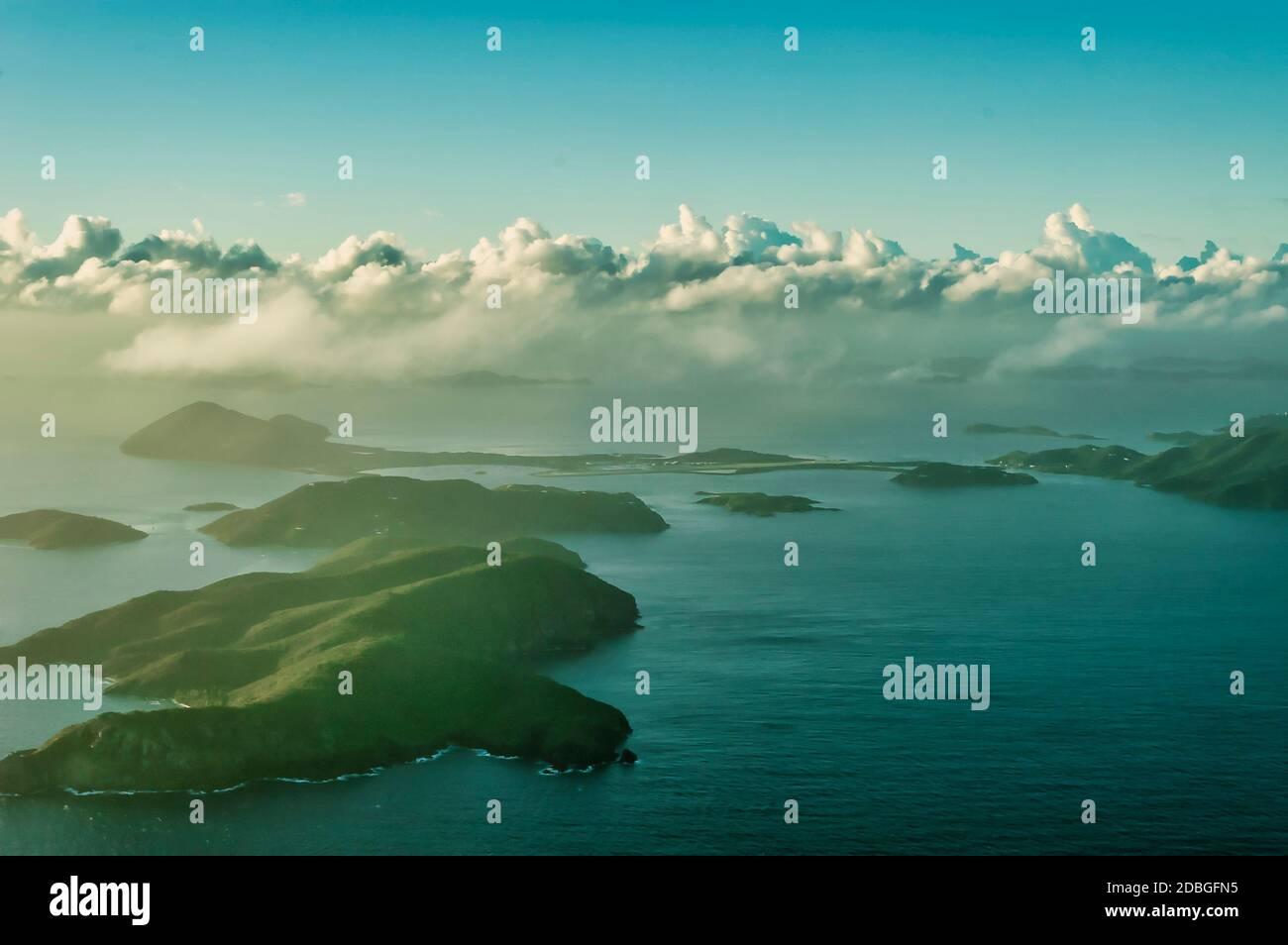 Îles Vierges britanniques, vue de l'avion sur les îles et la mer des caraïbes Banque D'Images
