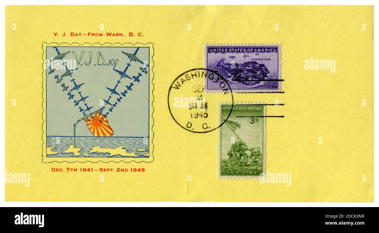 Washington D.C., États-Unis - 2 septembre 1945: Carte postale avec un cachet V-J jour, le bombardier américain a brisé le drapeau japonais, la victoire sur le Japon, Iwo Jima St Banque D'Images