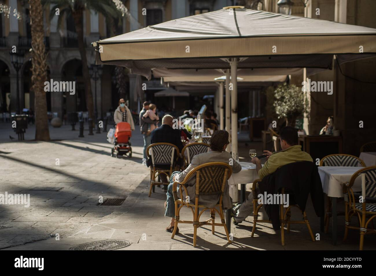 23 novembre 2020 : la Catalogne rouvre le lundi 23 novembre, les bars et restaurants sont fermés après plus d'un mois en raison des mesures de restriction du coronavirus. Credit: Thiago Prudencio/DAX/ZUMA Wire/Alay Live News Banque D'Images