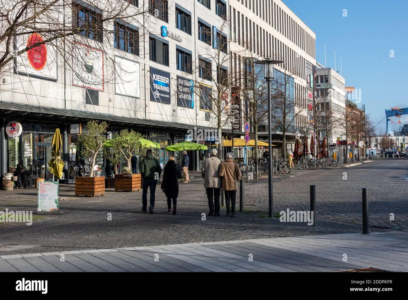 Leere Innestadt in der Landeshauptstadt Kiel während das Corona locklockdowns Banque D'Images