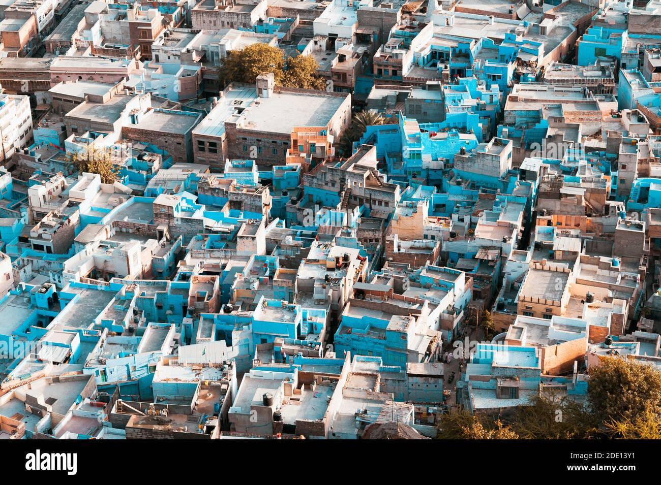Vue aérienne de la vieille ville de Jodhpur, la ville bleue de l'Inde, une destination touristique célèbre du Rajasthan et un site classé au patrimoine mondial de l'UNESCO Banque D'Images
