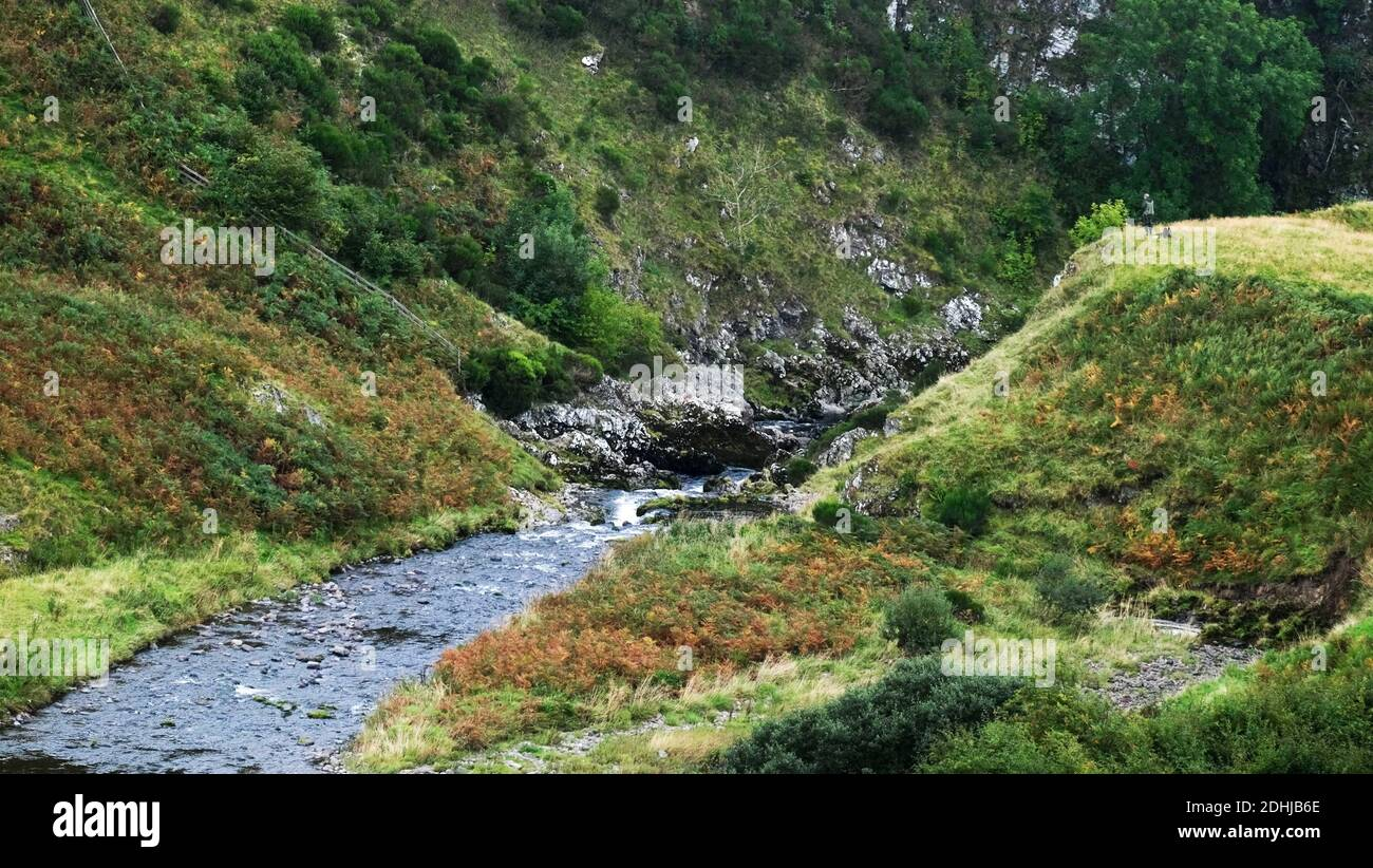La rivière Coquet traverse une gorge profonde à Shillmoor.Saturday 3 octobre 2020. Banque D'Images