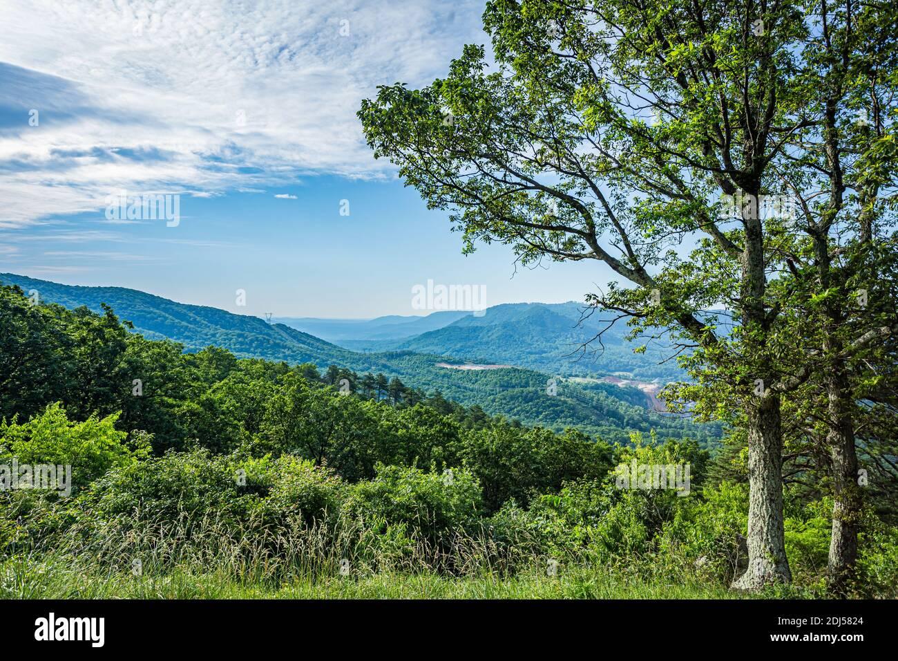 La vue de la carrière donne sur la Blue Ridge Parkway près de Roanoke, Virginie. Banque D'Images