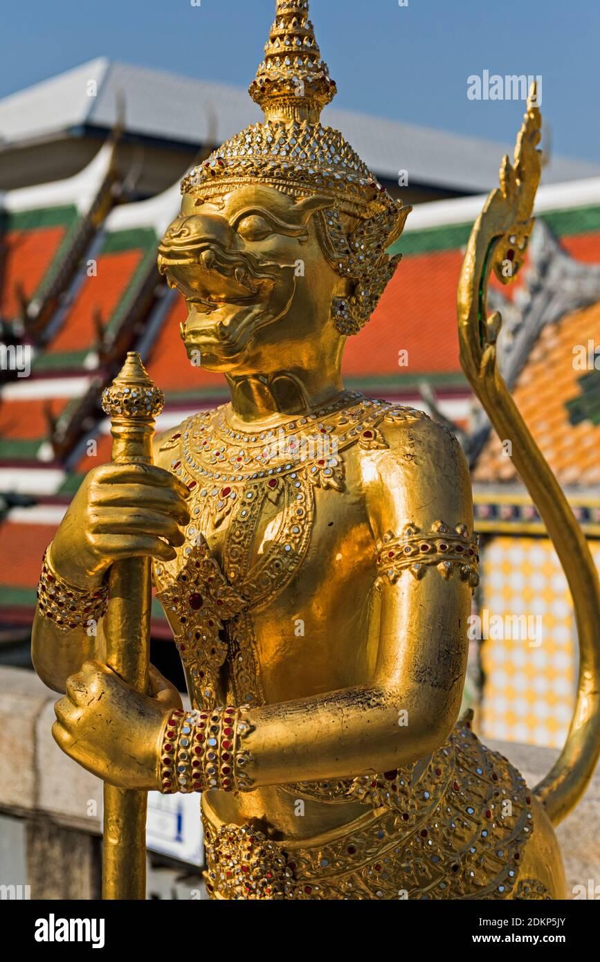 Apsonsi statue Wat Phra Kaew Palace Bangkok Thaïlande Banque D'Images