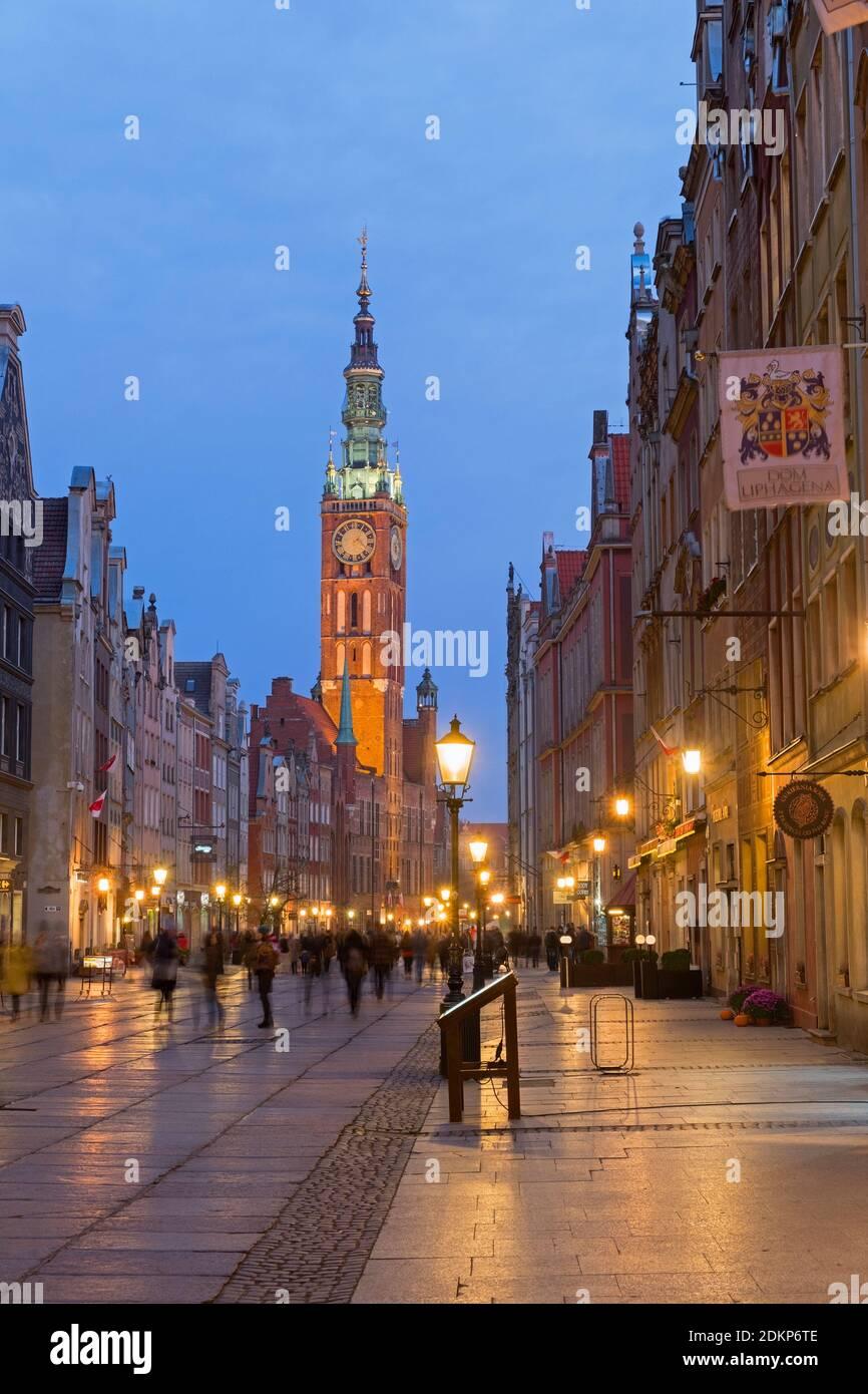 Dlugi Targ Long Market street et Hôtel de Ville Tour. Gdańsk Pologne Banque D'Images