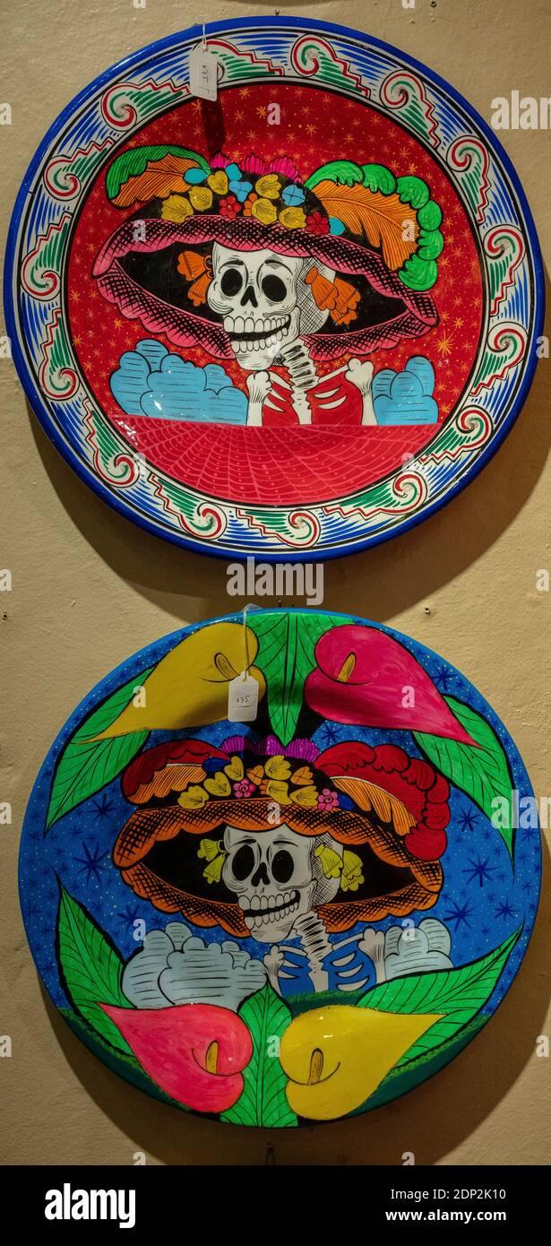 Artisanat mexicain en céramique à vendre dans la vieille ville Albuquerque, Nouveau-Mexique @ Kyra's Imports Banque D'Images