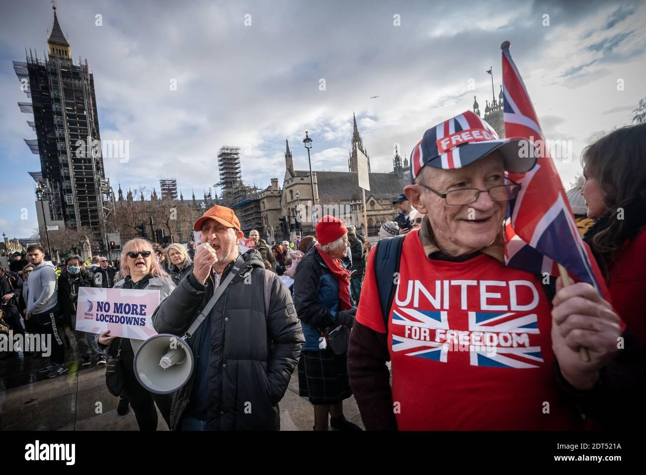 Coronavirus : manifestation anti-Vaxxer à Parliament Square, Londres, Royaume-Uni. Banque D'Images