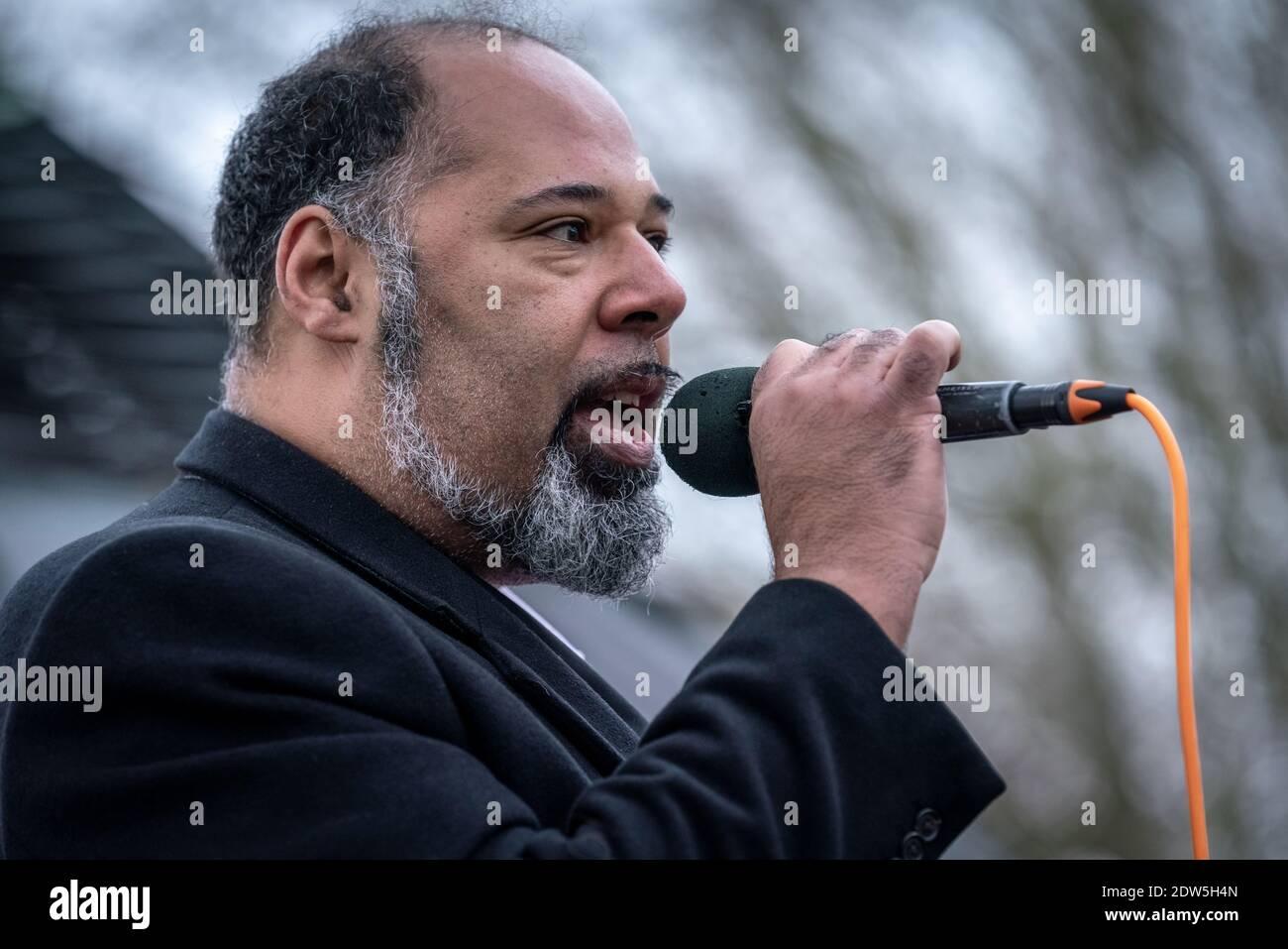 Coronavirus: David Kurten parle lors de la manifestation anti-verrouillage 'la fête de Noël de Sta sauve' à Speakerss' Corner, Hyde Park, Londres, Royaume-Uni. Banque D'Images