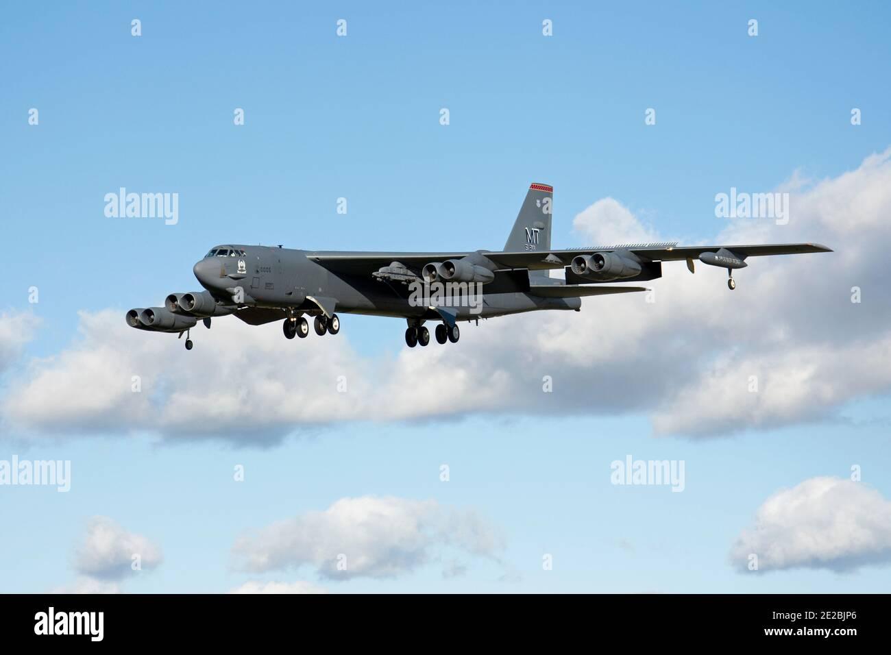 Boeing B-52H Stratoforteresse, 60-0005, codé 'mit' de la 5e Escadre Bomb, atterrissage de l'Armée de l'air des États-Unis à la RAF Fairford, en Angleterre. Banque D'Images