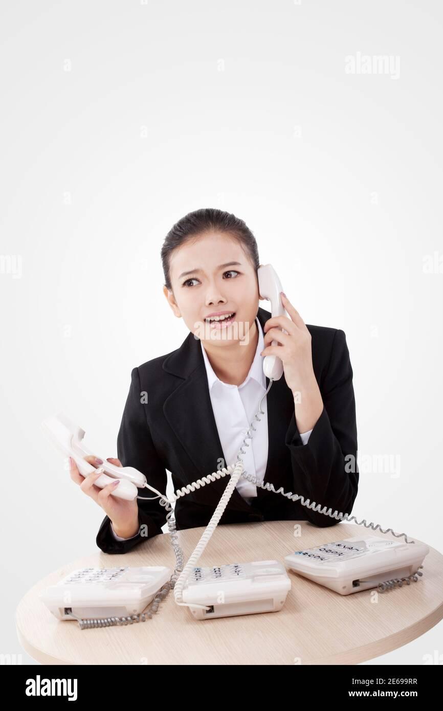 Femme d'affaires utilisant le téléphone photo de haute qualité Banque D'Images