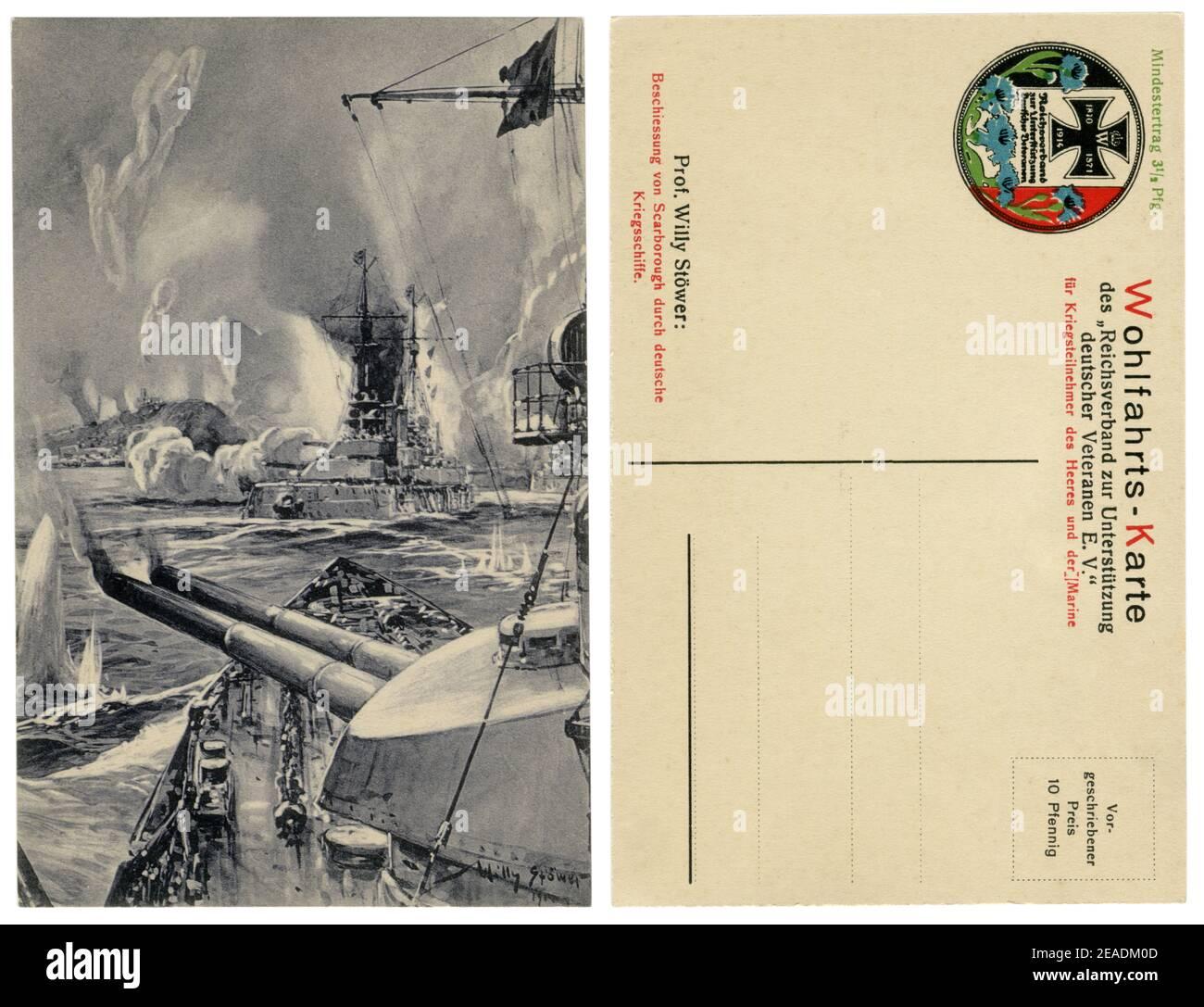 Carte postale historique allemande : bombardement de Scarborough par des navires de guerre allemands. Des fusils de calibre principal sont en train de tirer à la ville anglaise, le 16 décembre 1914 Banque D'Images