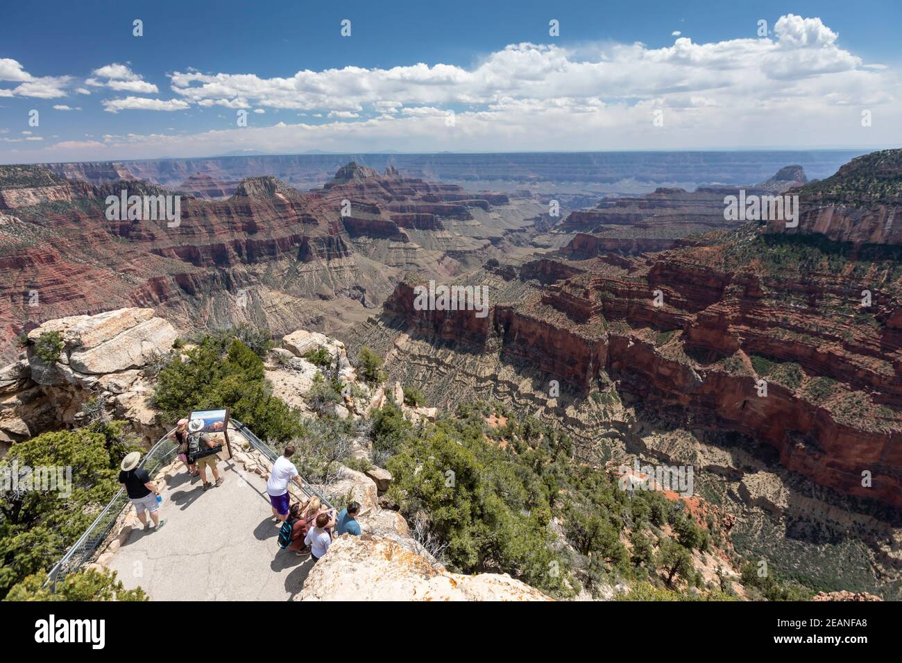 Vue sur la rive nord du parc national du Grand Canyon depuis Bright Angel point, site classé au patrimoine mondial de l'UNESCO, Arizona, États-Unis d'Amérique Banque D'Images