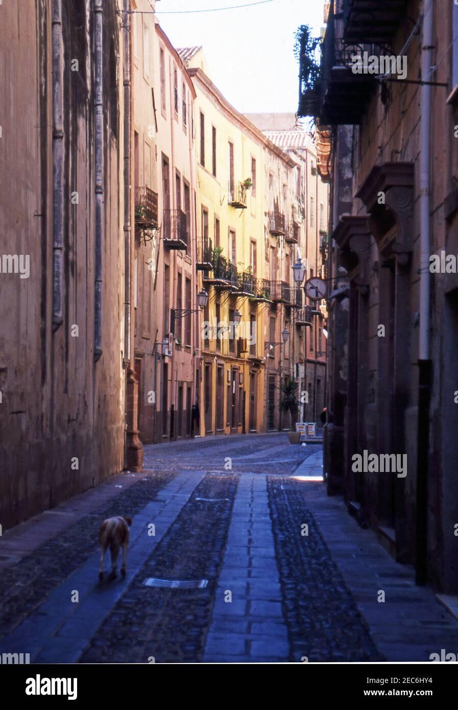 Bosa, Sardaigne, Italie (scanné à partir de colorslide) Banque D'Images