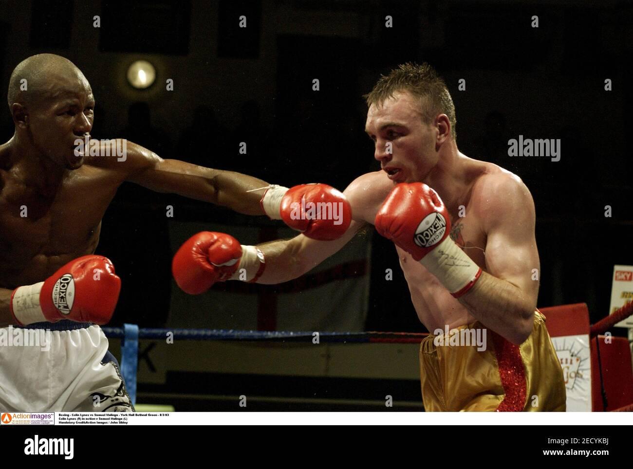 Boxe - Colin Lynes contre Samuel Malinga - York Hall Bethnal Green - 8/3/03 Colin Lynes (R) en action v Samuel Malinga (L) crédit obligatoire:Images d'action / John Sibley Banque D'Images