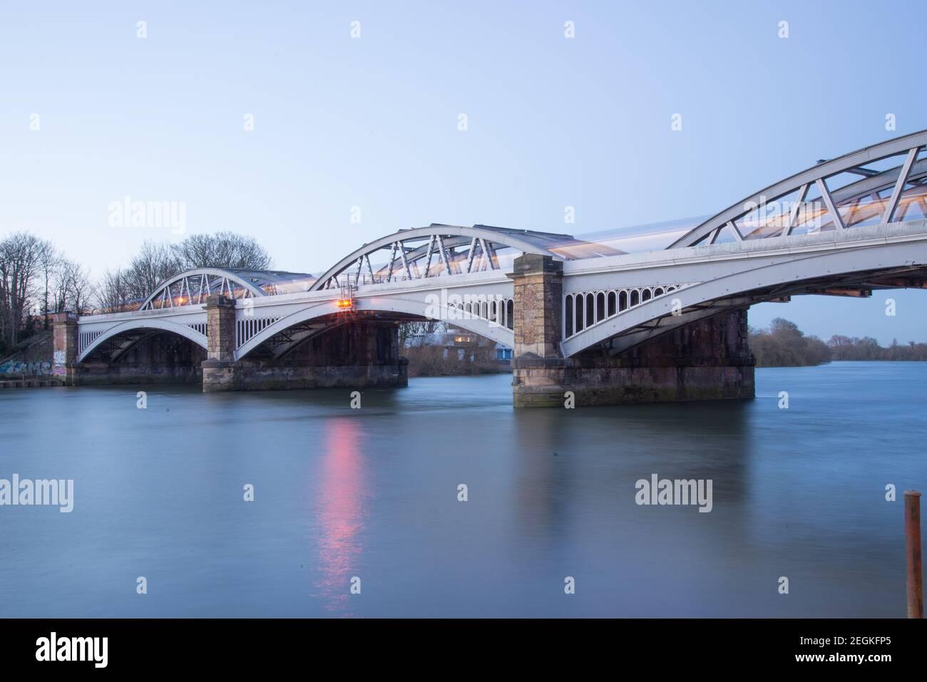 Pont ferroviaire Barnes Banque D'Images