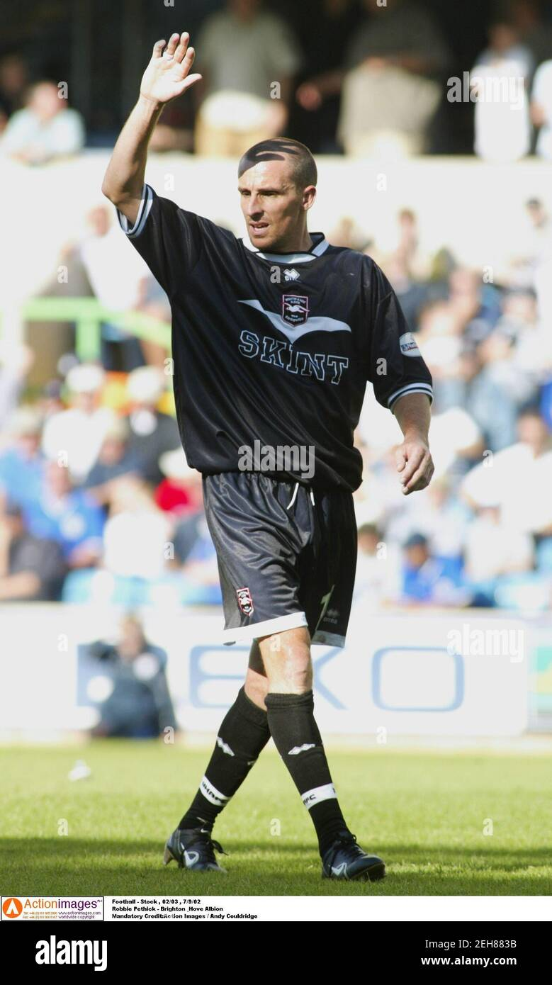 Football - stock , 02/03 , 7/9/02 Robbie Pethick - Brighton & Hove Albion crédit obligatoire:action Images / Andy Couldridge Banque D'Images