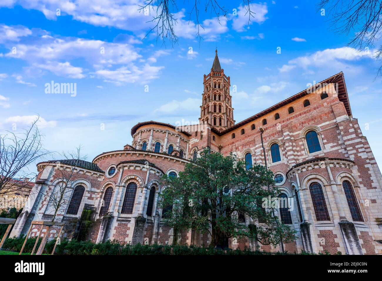 Basilique Saint-Sernin en hiver à Toulouse dans la haute-Garonne, Occitanie, France Banque D'Images