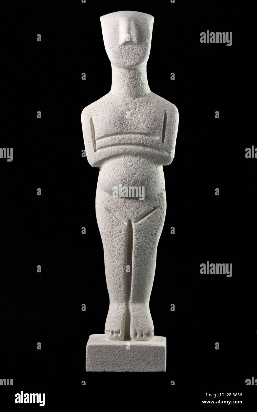 Figurine cycladique, échantillon de la civilisation cycladique qui s'est développée d'environ 3200 - 2000 av. J.-C. , dans le groupe des îles Cyclades , mer Egée , Gree Banque D'Images