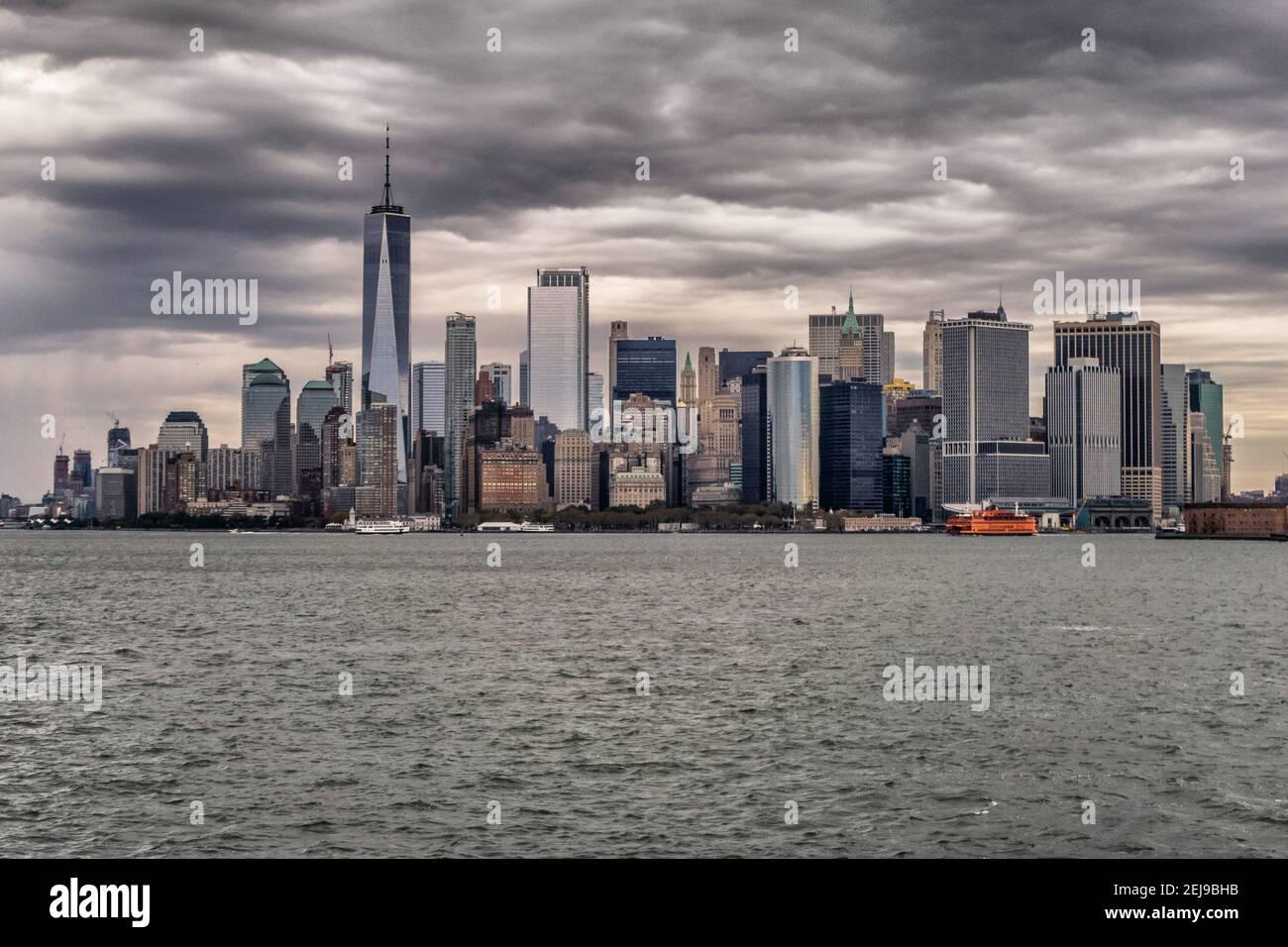 Île de Manhattan par temps gris Banque D'Images