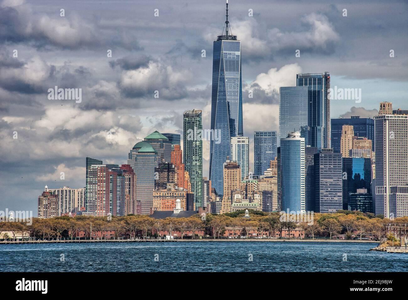 L'île de Manhattan par temps clair Banque D'Images